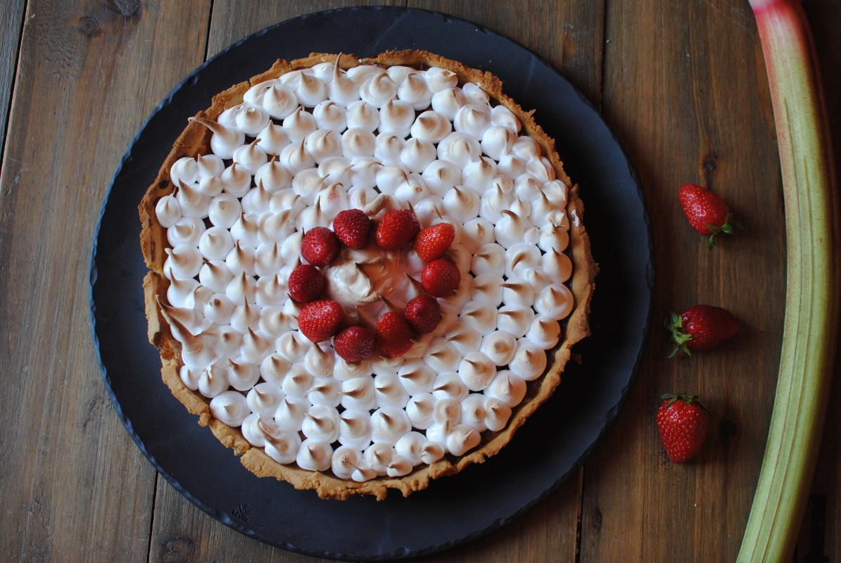 tarte fraise rhubarbe meringuée