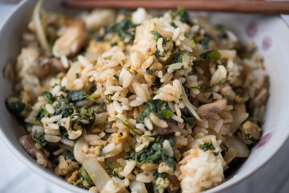 Bol de riz frit végétarien