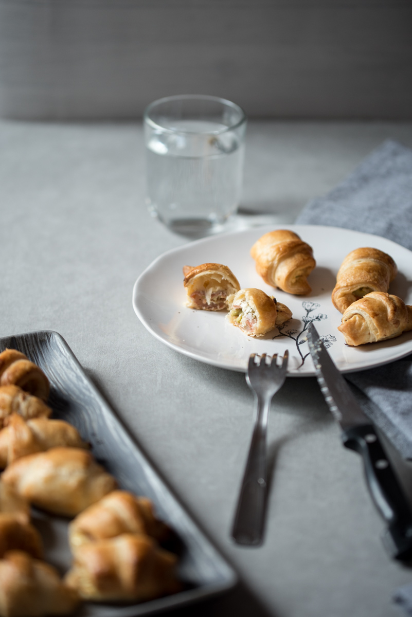 Croissants apéritifs à la rhubarbe