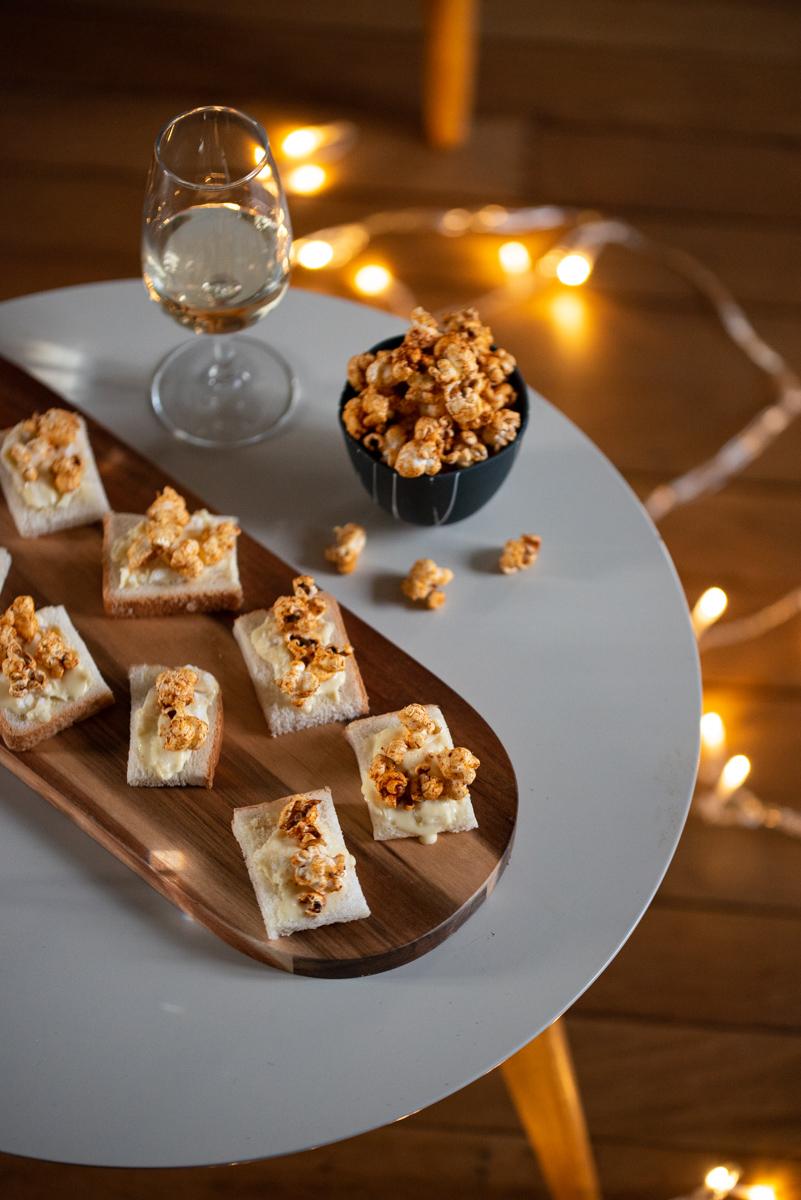 Bouchées apéritives saint-marcellin et pop-corn